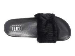 Sandalia Fur Slide de Rihanna para Puma