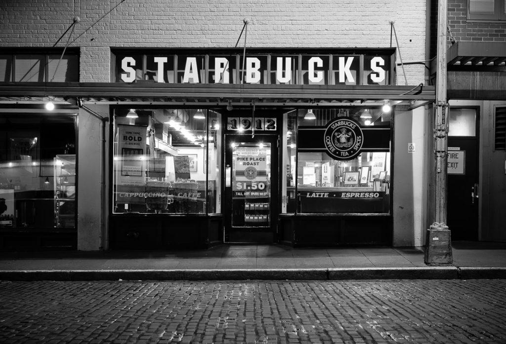 STARBUCKS HISTORIA